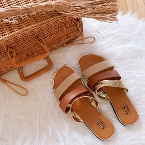Kalli Collection Shoes - NWOT Kalli Neutral and Gold Sandals